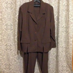 SAG HARBOR unlined suit, brown w/stripes 22W